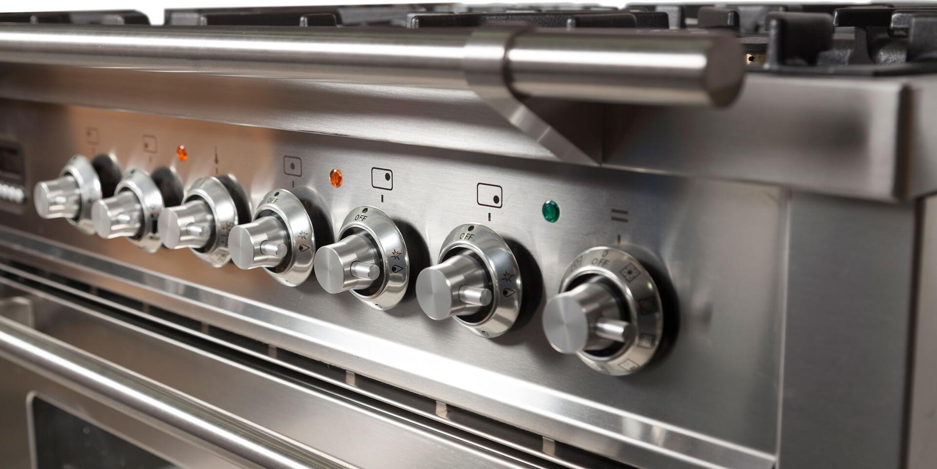 Ilve Professional Plus UPW90FDMPI Freestanding Dual Fuel Range Stainless Steel, UPN90FDMPIX Handle Details